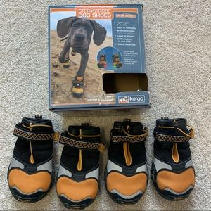 Step and strobe light up tread dog shoes Sz Large